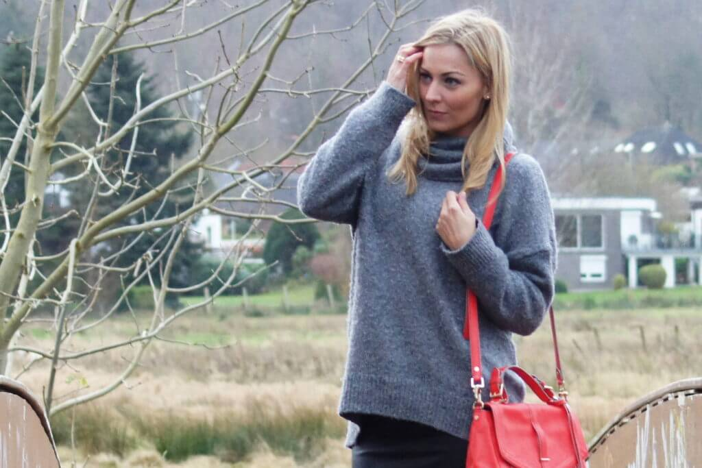 cozy-meets-red-outfit-fashion-tantedine