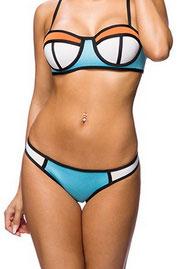 zugeschnürt-bikini-tantedine