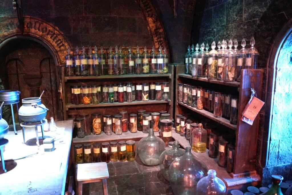 Warner Bros. Studio Tour London | The making of Harry Potter - tantedine