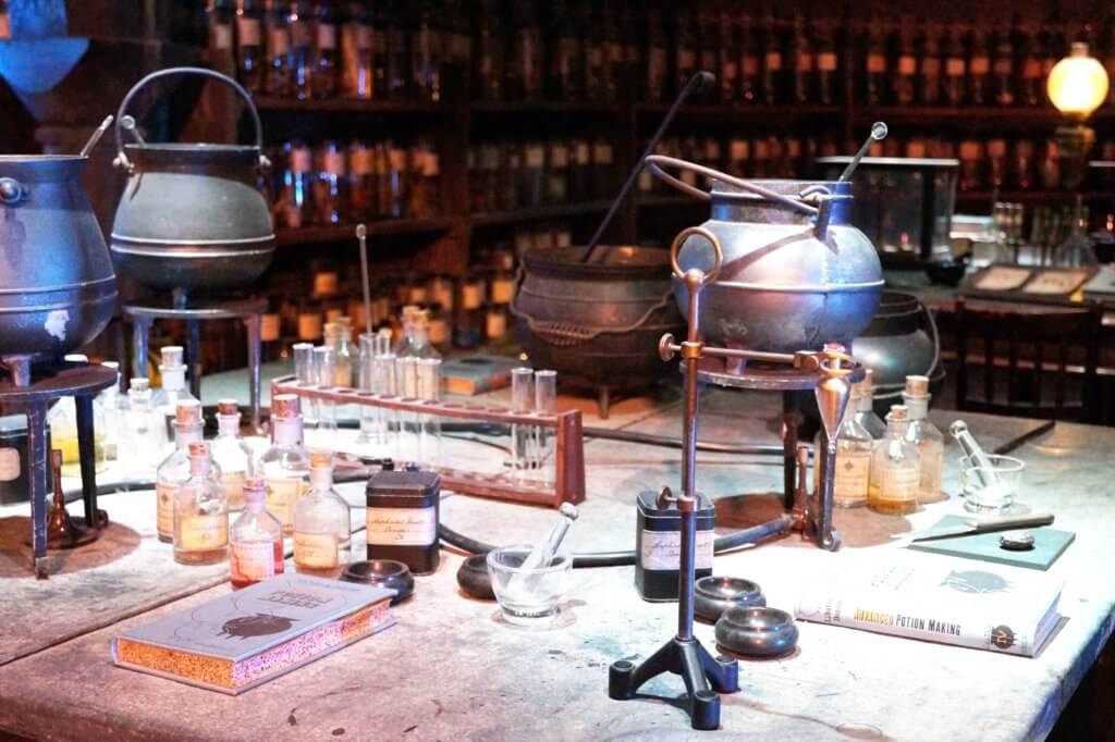 london-harry-potter-zaubertränke-klassenraum-tantedine