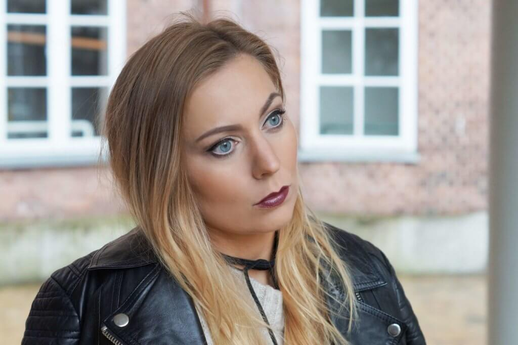 essence-update-metal-shocks-lippenstift-neuheiten-outfit-tantedine