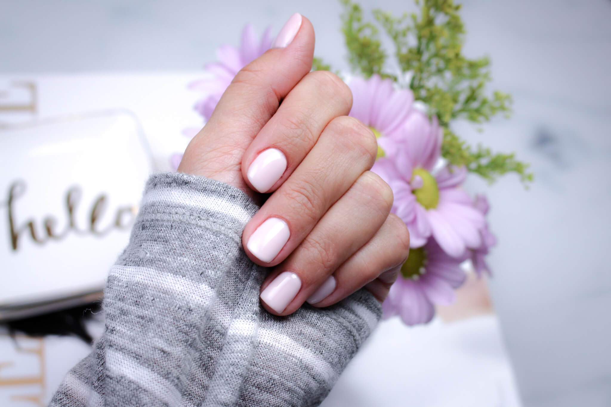 Schöne Nägel mit UV-Nagellack - so geht\'s! - tantedine