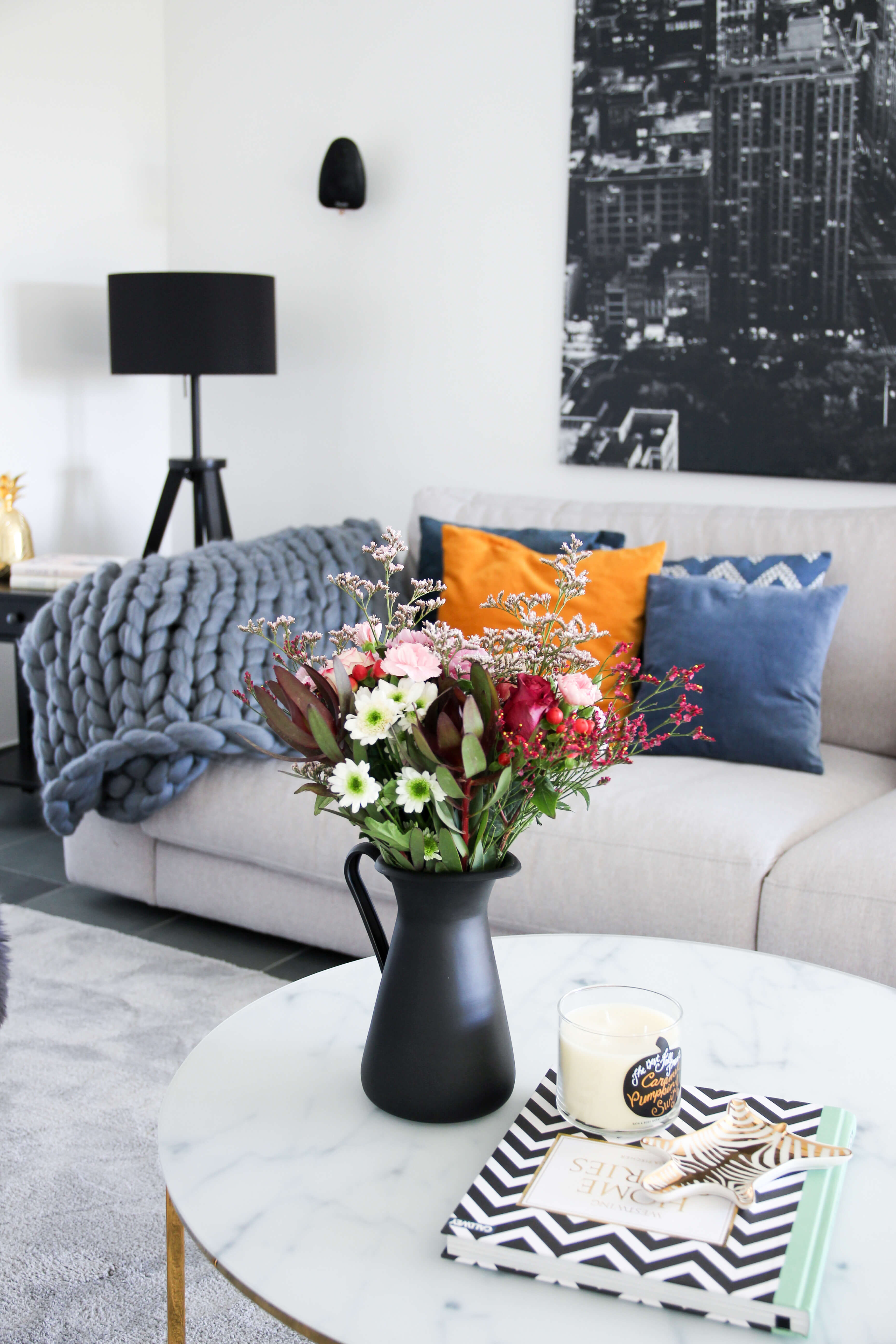 Wohnbereich Umgestaltung Chunky Knit Wolldecke Grobstrick Blume2000.de tantedine