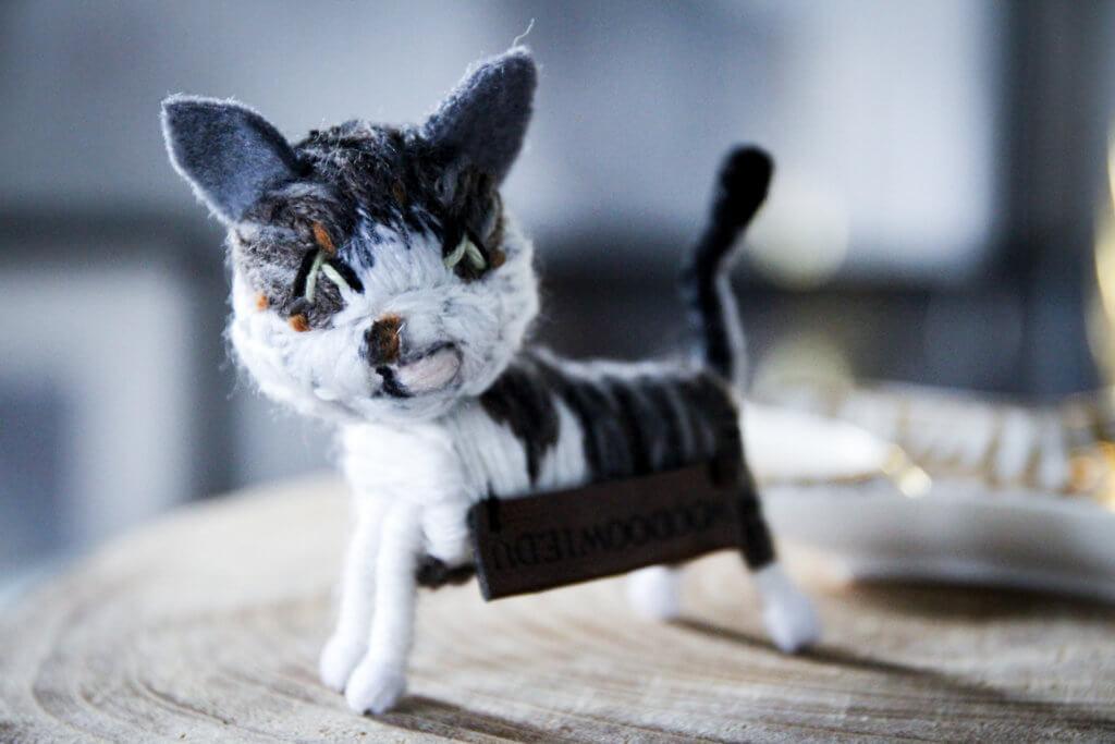 Woodoowiedu Schlüsselanhänger Figur Katze Mausi Adventskalender tantedine