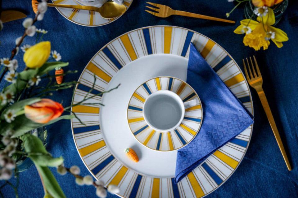 Stilvolle Tischdeko Zu Ostern Mit Blau Und Gelb Tantedine