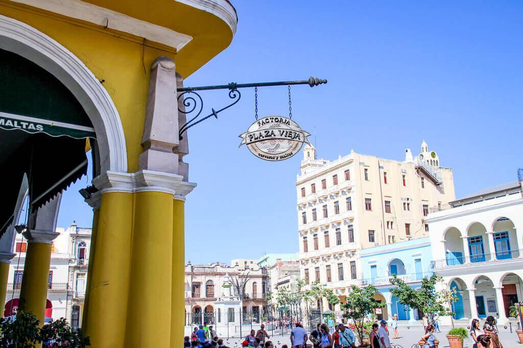 Kuba Havanna Cuba La Habana Vieja Plaza Vieja Plaza Nuevo Neuer Platz tantedine