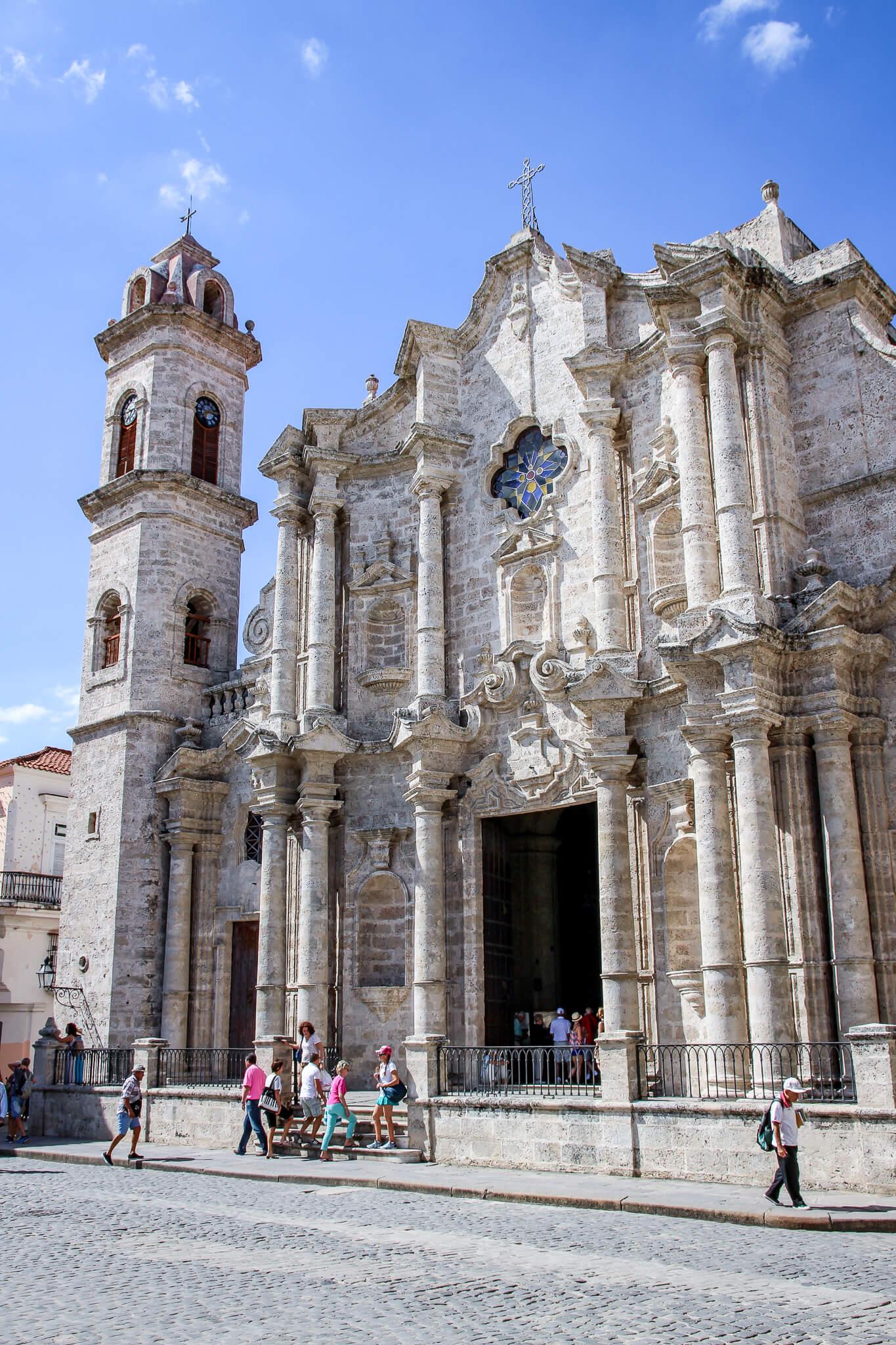 Kuba Havanna Cuba La Habana Vieja Malecon Calle Obispo Capitolio Kapitol Plaza de Armas La Catedral de la Virgen María de la Concepción Inmaculada de La Habana tantedine