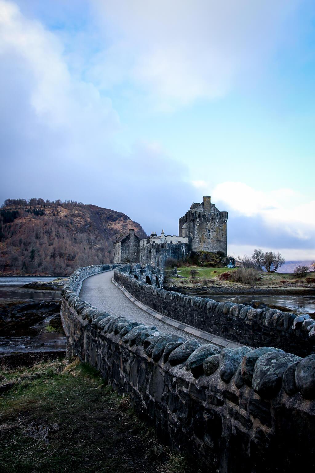 Isle of Skye Schottland Sehenswürdigkeiten Eilean Donan Castle tantedine
