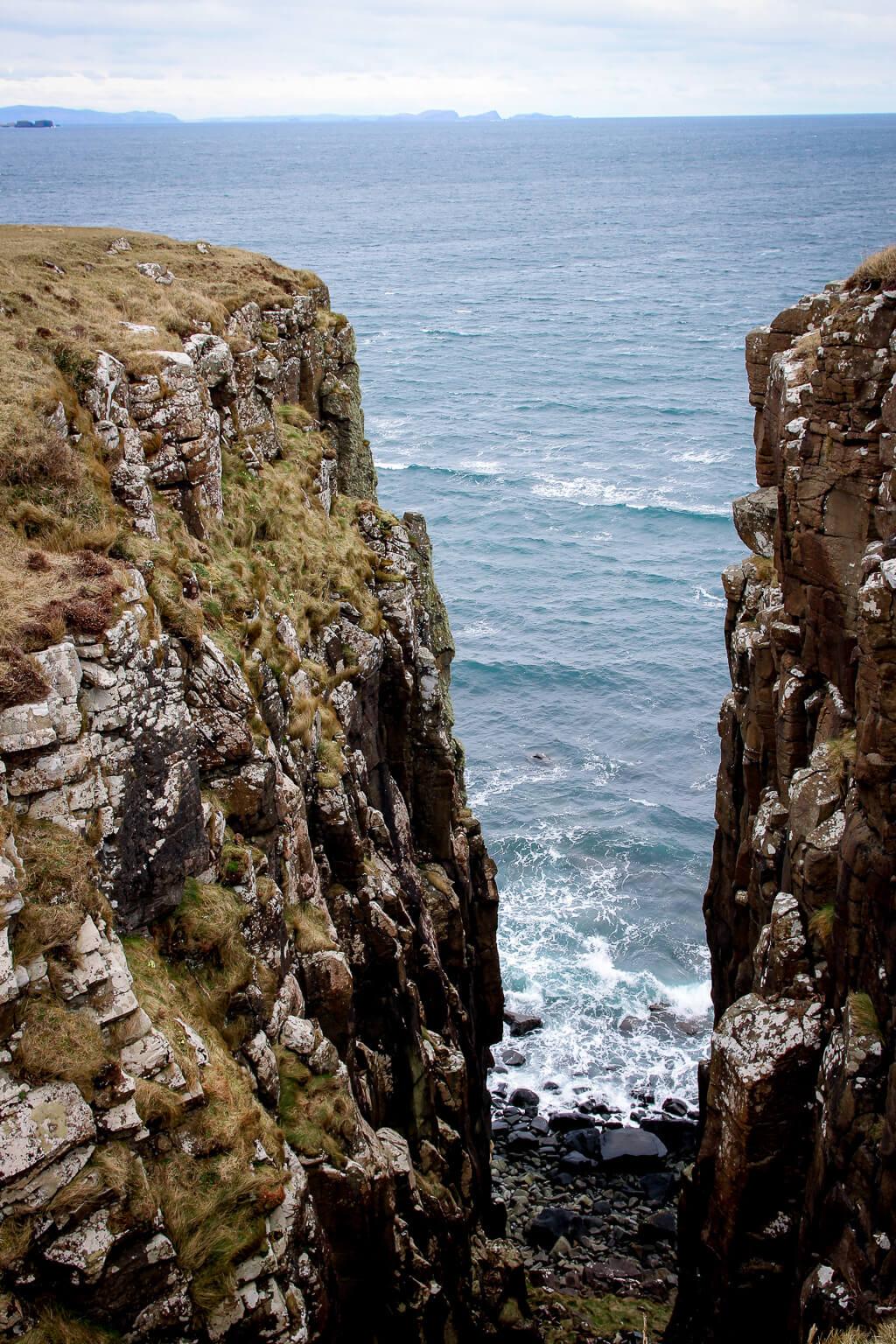 Isle of Skye Schottland Sehenswürdigkeiten Cave of Gold Highlands tantedine